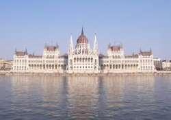 INGYENES a Parlament és a Szent Korona-látogatás március 14-én